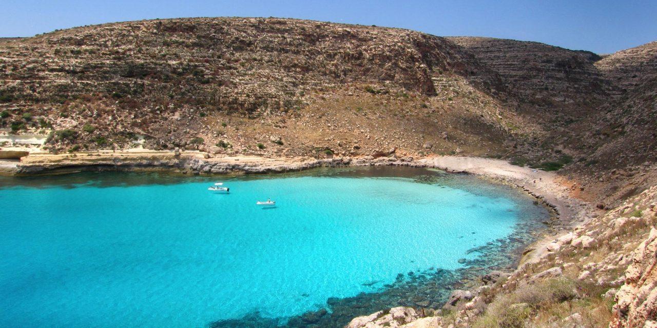 https://www.viaggialo.com/wp-content/uploads/2020/06/Lampedusa003-1280x640.jpg