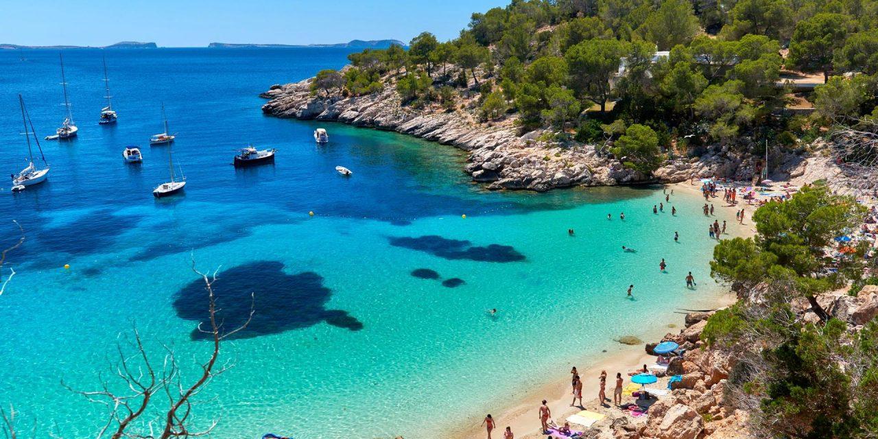 https://www.viaggialo.com/wp-content/uploads/2020/07/Ibiza_002-1280x640.jpg