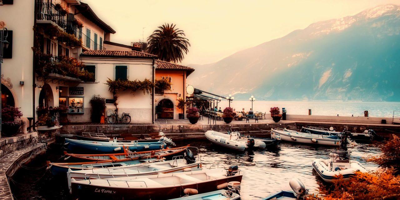https://www.viaggialo.com/wp-content/uploads/2020/07/Lago-di-Garda003-1280x640.jpg