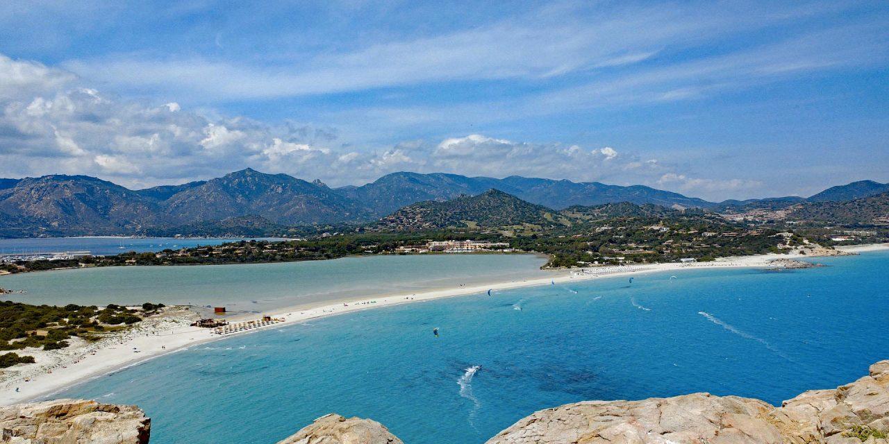 https://www.viaggialo.com/wp-content/uploads/2020/07/Sardegna-Villasimius-1280x640.jpg