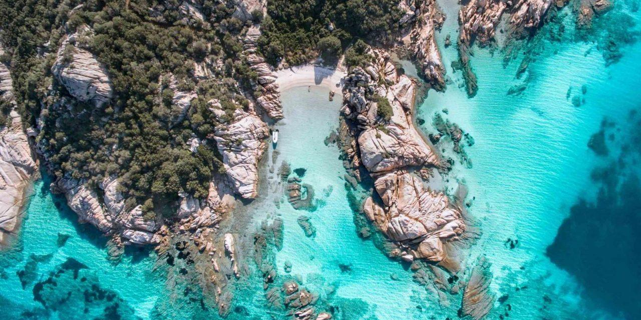 https://www.viaggialo.com/wp-content/uploads/2020/07/Sardegna_Cala_Girgolu-1280x640.jpg