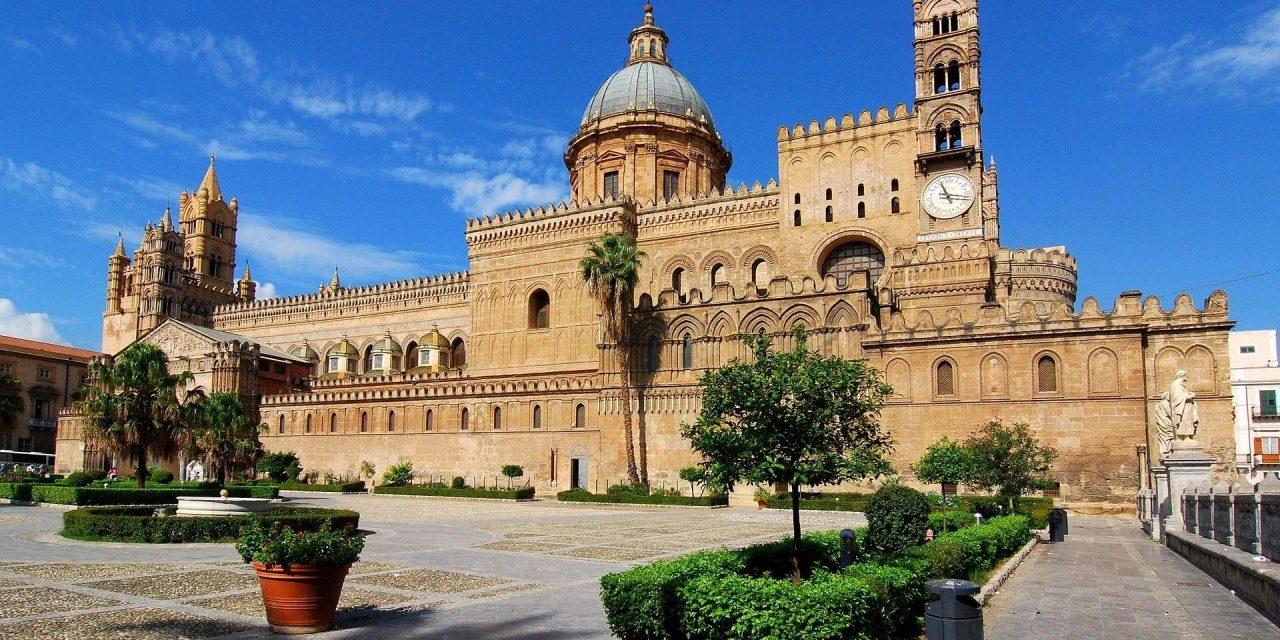 https://www.viaggialo.com/wp-content/uploads/2020/08/Palermo001-1280x640.jpg
