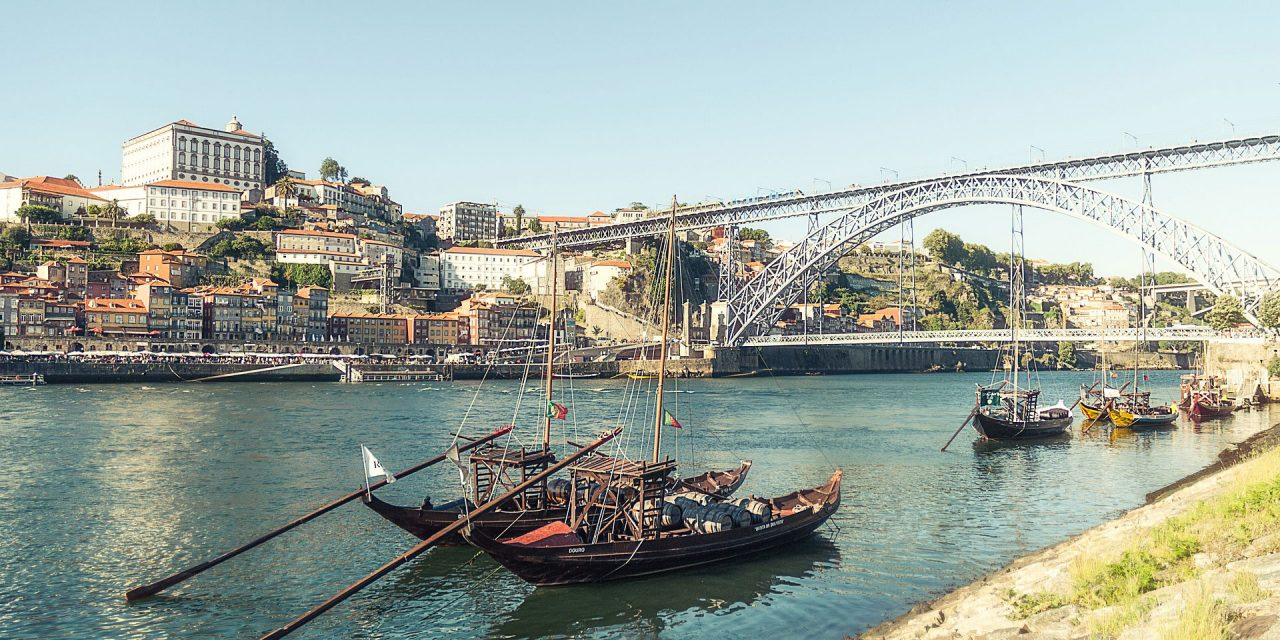 https://www.viaggialo.com/wp-content/uploads/2020/10/Porto-003-1280x640.jpg