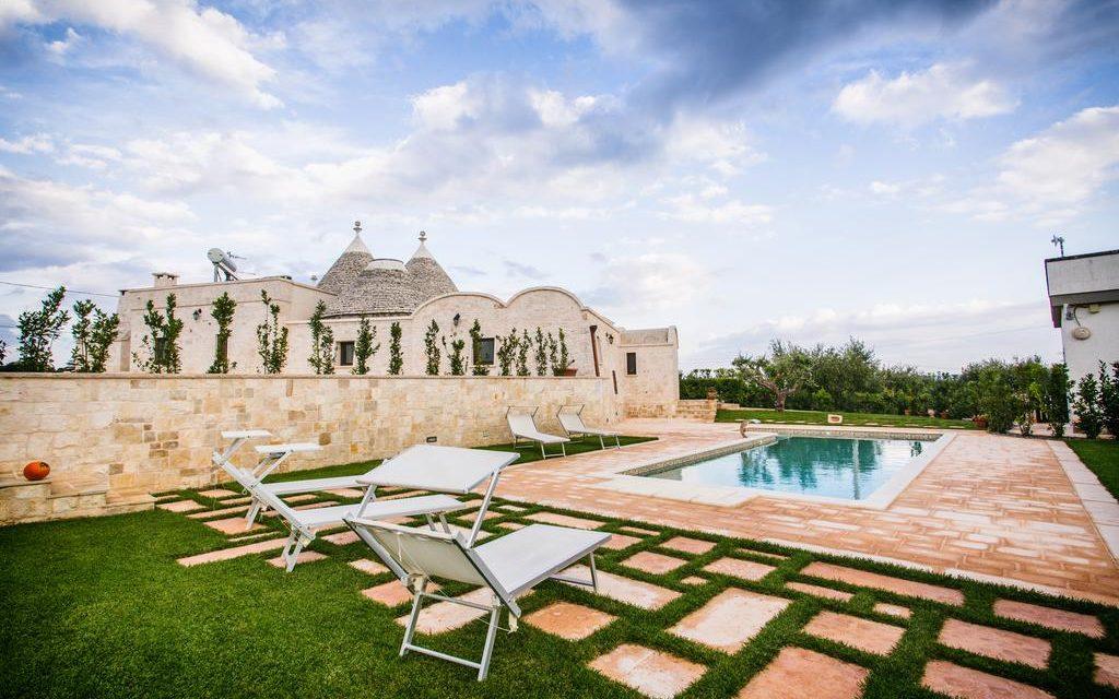 https://www.viaggialo.com/wp-content/uploads/2020/10/Trullo-Magravi-Alberobello-1024x640.jpg